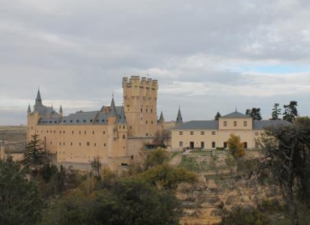 Vista desde el Suroeste, dominando en primer término la Torre de Juan II.