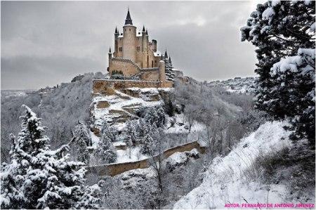 Alcazar de Segovia nevado.