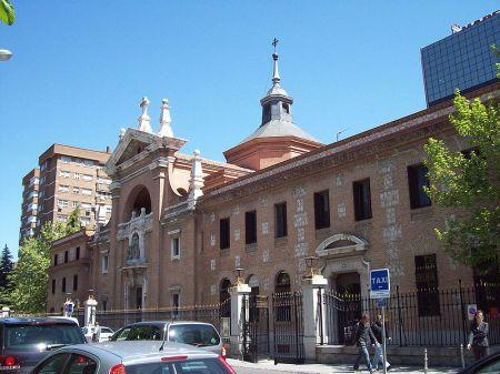 Convento_e_Iglesia_de_las_Reparadoras_(Madrid)_01